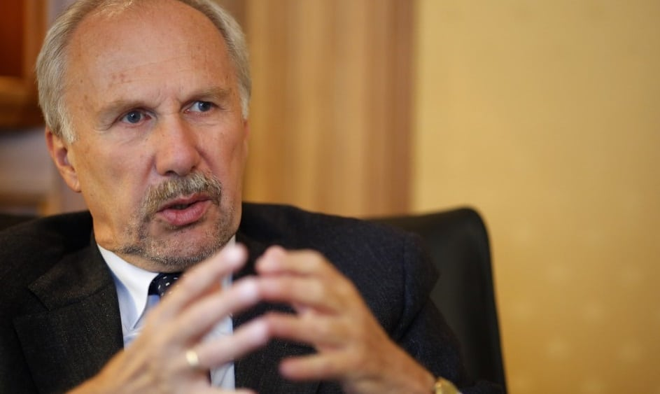 Ewald Nowotny considers Bitcoin as too unstable and vulnerable to speculation