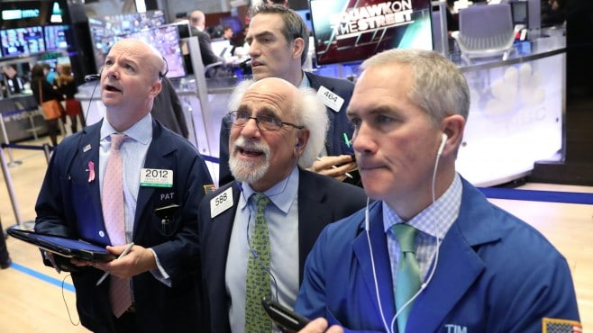 Dow Jones added nearly 450 points and recorded eighth consecutive weekly growth | Finance and ...