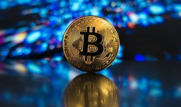 Bitcoin price fell on Monday morning, consolidating earlier gains
