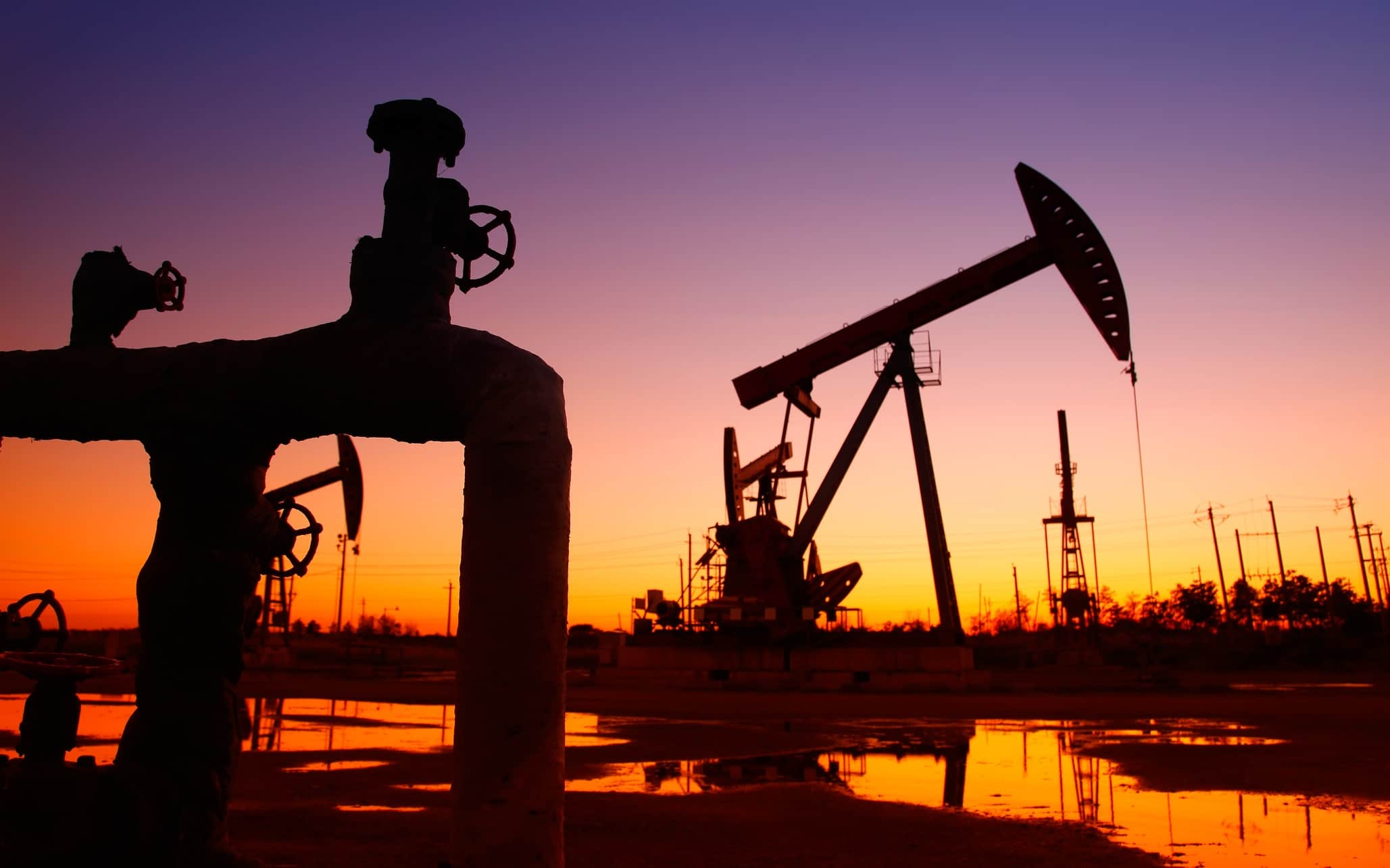 Crude oil prices rose on Friday but still about to send the week into the red