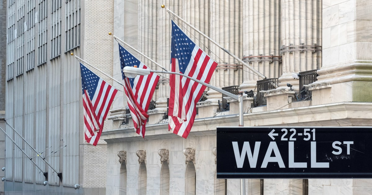 Wall Street indexes ended the trading session with declines amid the situation around Broadcom
