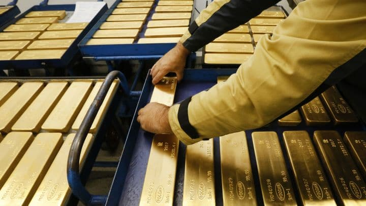The gold price rose to a six-year high