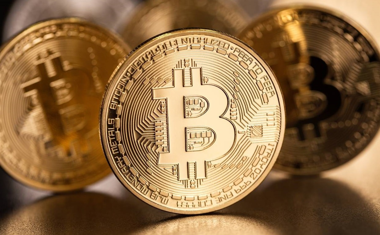 Bitcoin edged higher amid hopes for approval on European crypto bonds