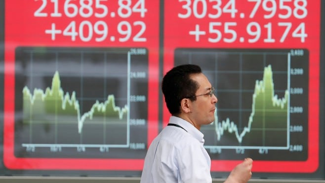 Global stocks are mixed on Tuesday amid renewed tensions between the EU and US
