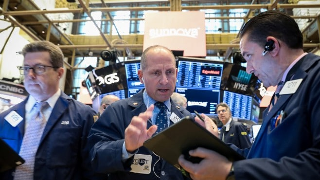 Strong earnings reports pushed the S&P 500 and Nasdaq to new record highs