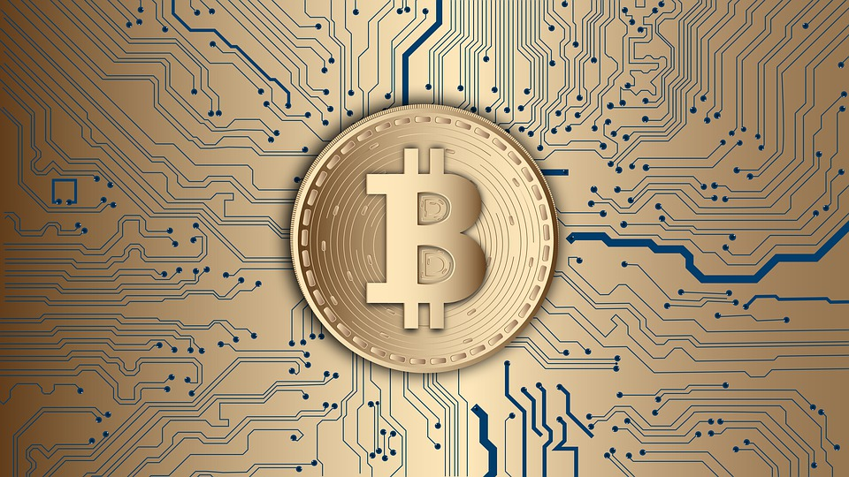 Bitcoin remains bullish, climbing to 10,922 USD