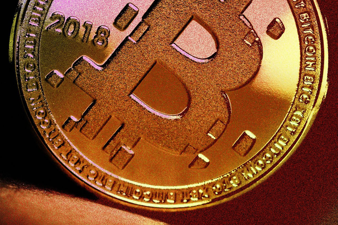 Bitcoin started the week with 10% rally, rising to 11,722 USD